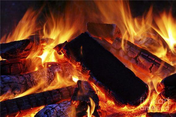 Mơ thấy lửa đánh con gì – Ý nghĩa giấc mơ thấy lửa cháy