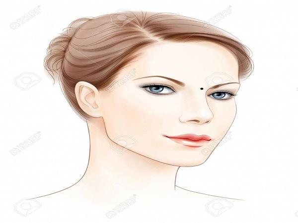 Nốt ruồi trên mặt phụ nữ nói lên điều gì?