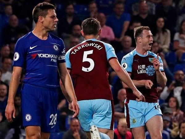 Điểm nhấn Chelsea 2-2 Burnley: Cần cái đầu nóng