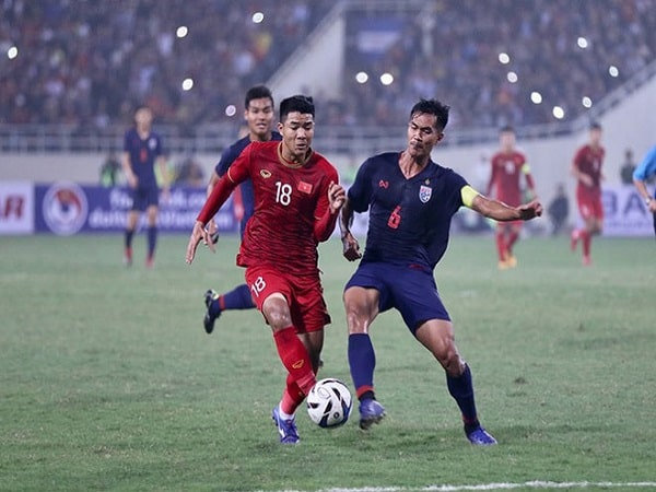 Đua ngôi vua với ĐT Việt Nam-min