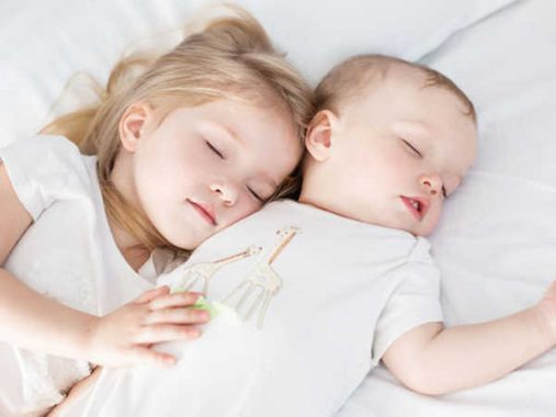 Mơ thấy em bé đánh con gì chắc ăn, điềm báo tốt hay xấu?