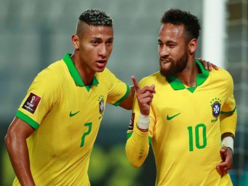 Tin bóng đá chiều 14/10: Neymar lập hat-trick đưa Brazil lên ngôi đầu