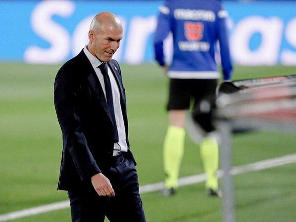 Tin bóng đá tối 18/11: Zidane tự tin ngồi chắc ghế nóng