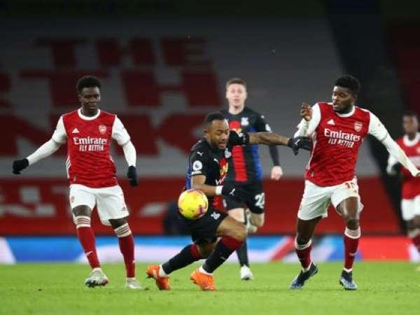 Tin bóng đá sáng 15/1: Arsenal hòa không bàn thắng