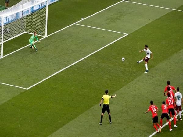 Hướng dẫn đá phạt penalty hiệu quả đánh bại mọi thủ môn