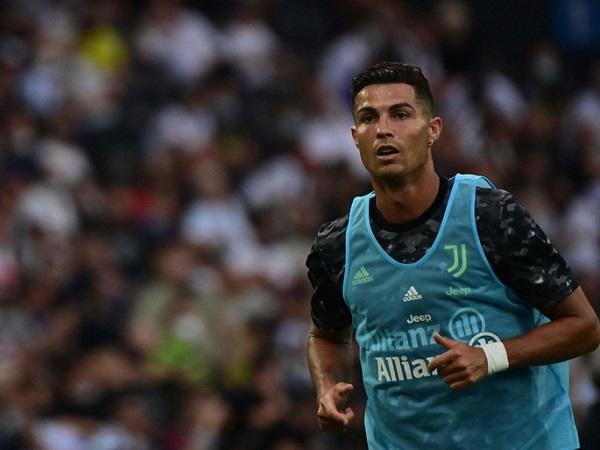 Tin bóng đá sáng 23/8: Ronaldo rời ghế dự bị để chỉ đạo đồng đội